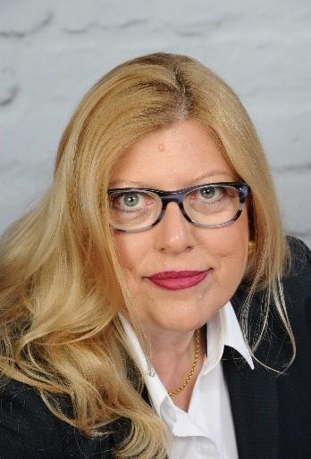 Delia Klages, Krankenschwester